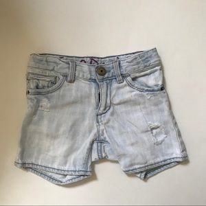 ✨3 for 20✨ baby Gap distressed jean shorts